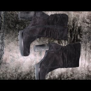 Beautiful Paul Green Suede Ankle Boots - Sz 9